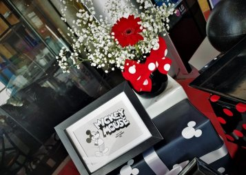 פרחים ותמונה