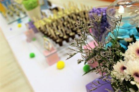 פרחים וקינוחים