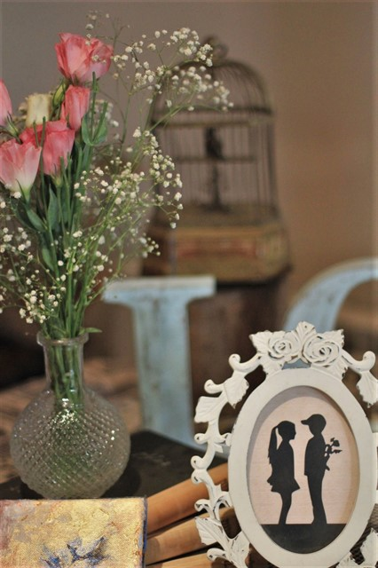 פרחים ותמונה רומנטית