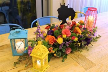 מרכז שולחן צבעוני מעוצב