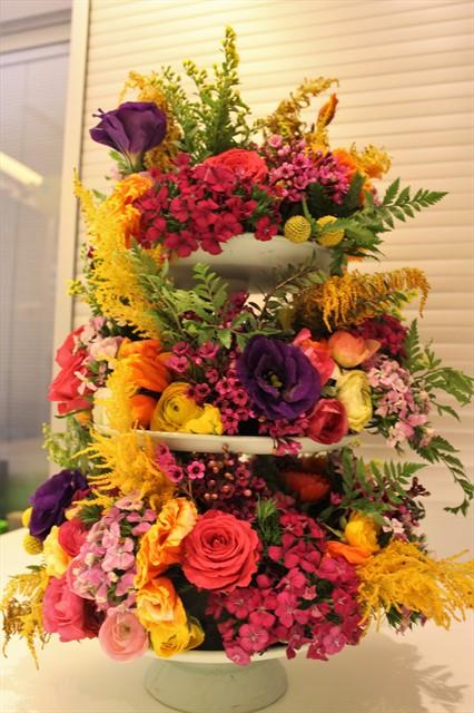 מגדל פרחים צבעוני
