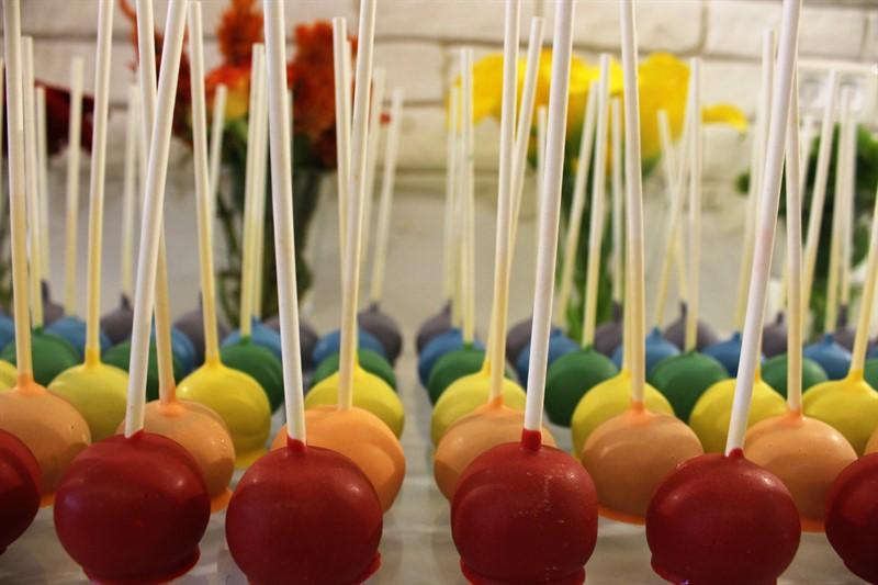קייקפופס צבעוניים