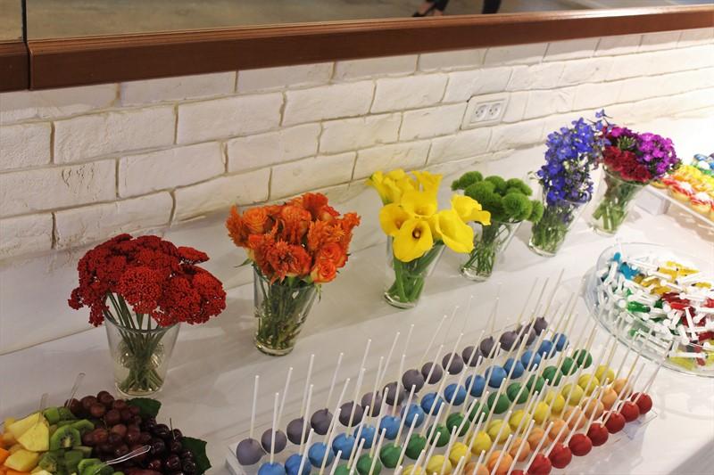 אגרטלי פרחים לפי צבעי הקשת